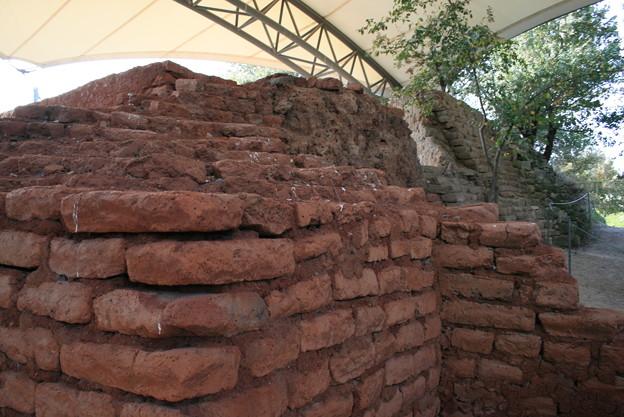 トロイ 日干しレンガの城壁