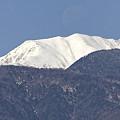 木曽駒ヶ岳に、沈む月。