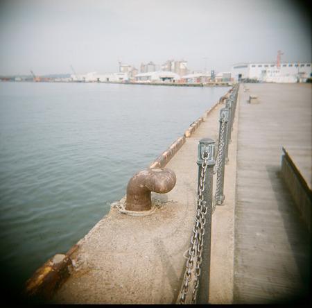 Kanazawa-port_HOLGA_Kodak_PORTRA400VC05092011