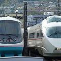 Photos: 箱根登山 箱根板橋駅 ロマンスカー交換