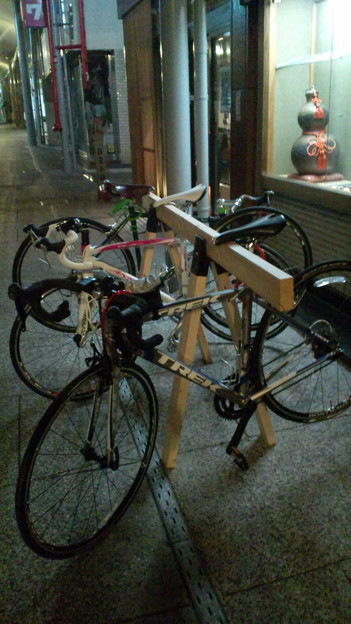 自転車の 自転車 ロードバイク スタンド : 自作 ロードバイクスタンドが ...