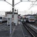 キハ110系と209系(高麗川駅)