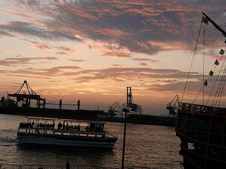天保山サンセット広場の夕日