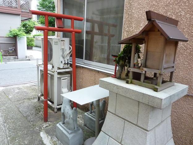 稲荷社(台東区池之端) 9