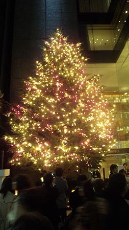 早くも銀座ミキモトにクリスマスツリーが。 #tokyo