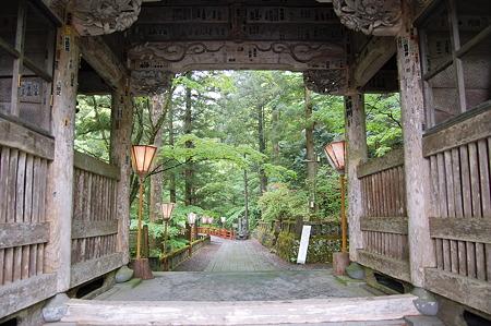 2010年05月23日榛名神社随神門