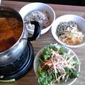 写真: 風邪っぽい友人と、漢方薬膳ランチ♪家でも、今晩は水炊き鍋にショウ...