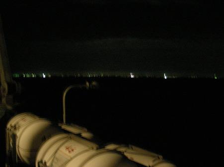 新潟の街の明かりが見えてきました
