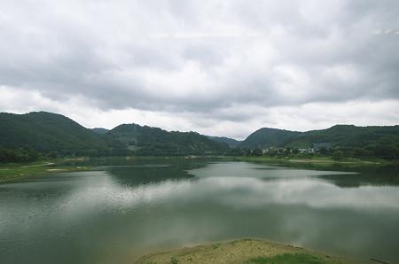錦秋湖上流