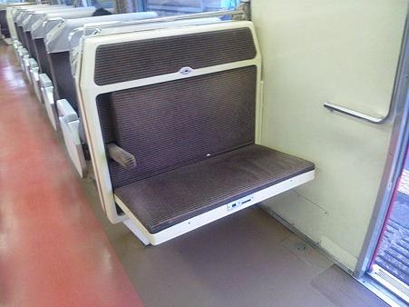 57-補助座席展開s