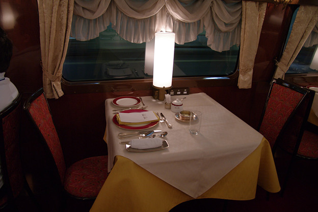 s7097_トワイライトエクスプレス食堂車