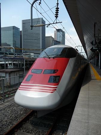 110629-東京駅 east-i (4)