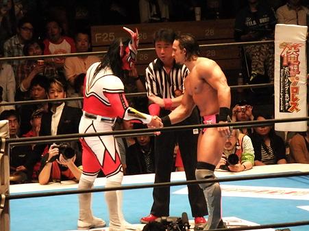 新日本プロレス BEST OF THE SUPER Jr.XIX Aブロック公式戦 獣神サンダー・ライガーvsPAC (1)