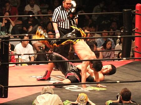 DDT 両国ピーターパン2011 〜二度あることは三度ある〜 KO-D無差別級選手権 石川修司vsKUDO (3)