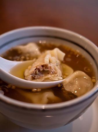 うどん屋でスープ餃子?