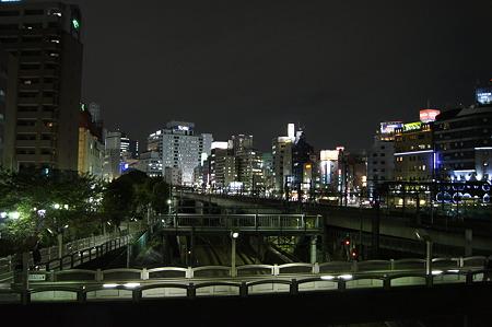 α55池袋夜景(手持ち夜景モード)