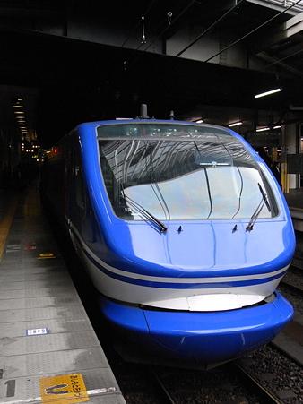 HOT7000系(新大阪駅)