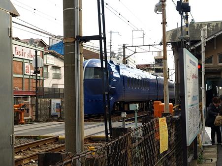 諏訪ノ森駅3