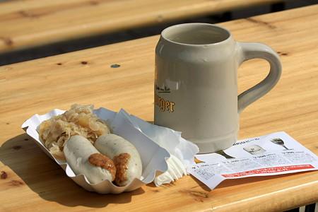 2010.10.06 横浜赤レンガオクトーバーフェスト2010 ビットブルガーピルスとミュンヘナーヴァイスヴルスト