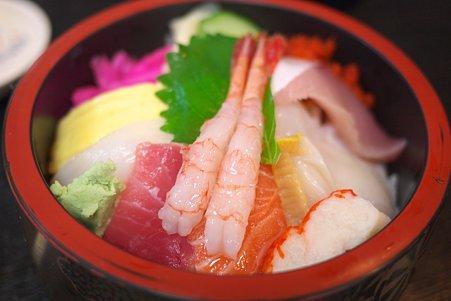 2011.07.25 越後 寺泊魚の市場通り ランチ