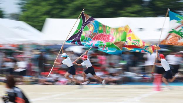 Photos: 大漁旗をなびかせて