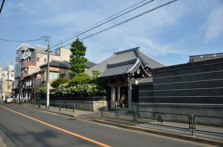ホワイトハートの寺
