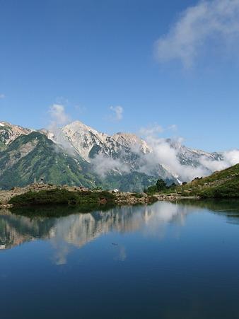 八方池から望む白馬三山